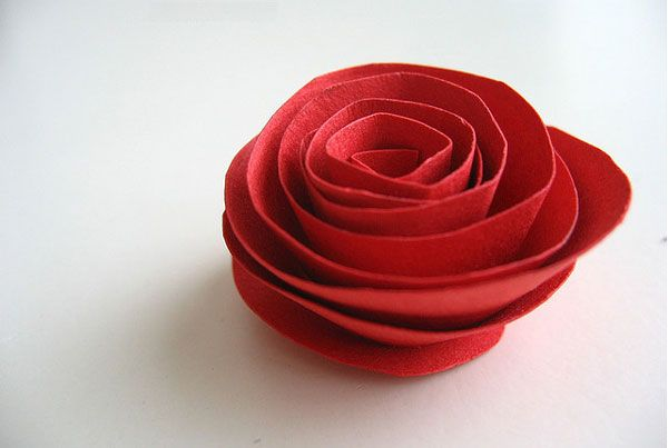Fabriquer facilement une rose en papier - J'ai dit oui