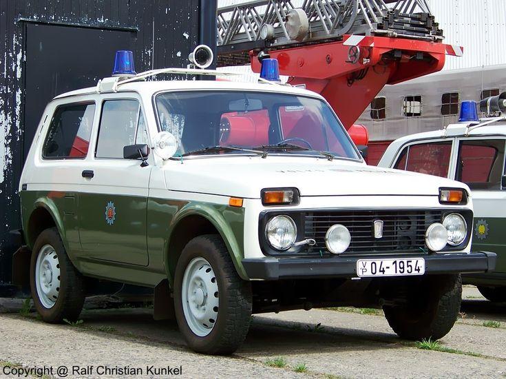 Lada Niwa 1600 VAZ 2121 FuStw - Funkstreifenwagen der Volkspolizei der DDR, Geländewagen, Allrad - fotografiert am 25.07.2009 zum Museumfest am Blaulichtmuseum in Beuster - Copyright @ Ralf Christian Kunkel