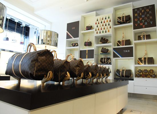 To commemorate the 100th anniversary of Selfridges, Louis Vuitton has launched a Concept Store, to celebrate its iconic Speedy bag.    Read more: Louis Vuitton Speedy Concept Store at Selfridges   LUXUO Luxury Blog http://www.luxuo.com/events/louis-vuitton-speedy-concept-store-selfridges.html#ixzz23NuL9f7E