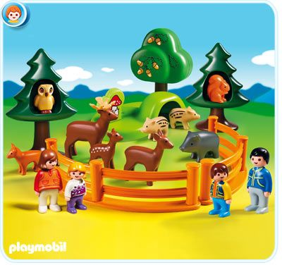 Playmobil 1 2 3 Park of animals. I want the squirrel in the tree. http://www.renaud-bray.com/Jeux_Produit.aspx?id=1237279