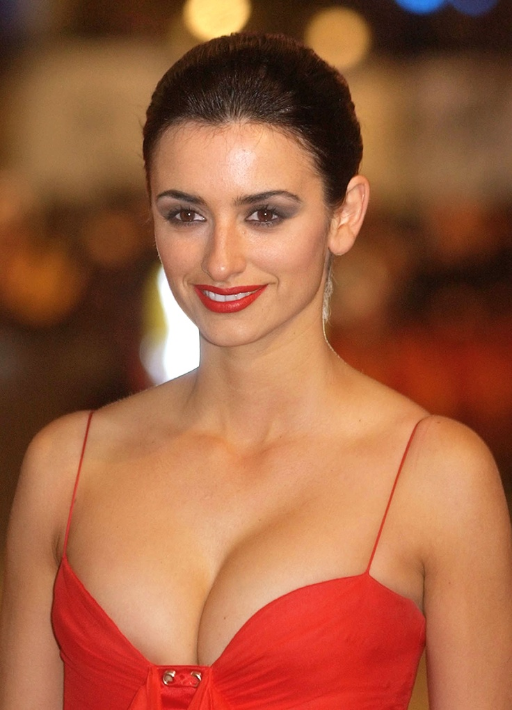 Penelope Cruz from Kythoni's Named Beauties (Actresses, Models, etc.) board http://pinterest.com/kythoni/named-beauties-actresses-models-etc/ m.at. 26.11