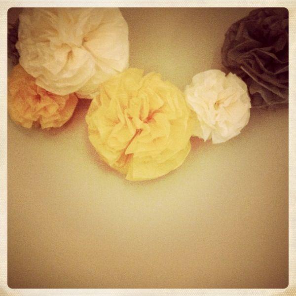 Grosses fleurs en papier