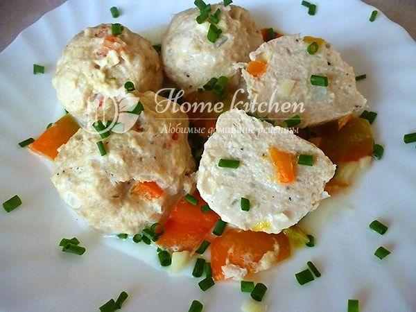 Диетические куриные тефтели в сливочном соусе. Готовим из куриного филе и овсяной муки вкусные нежные тефтели для детей и взрослых.