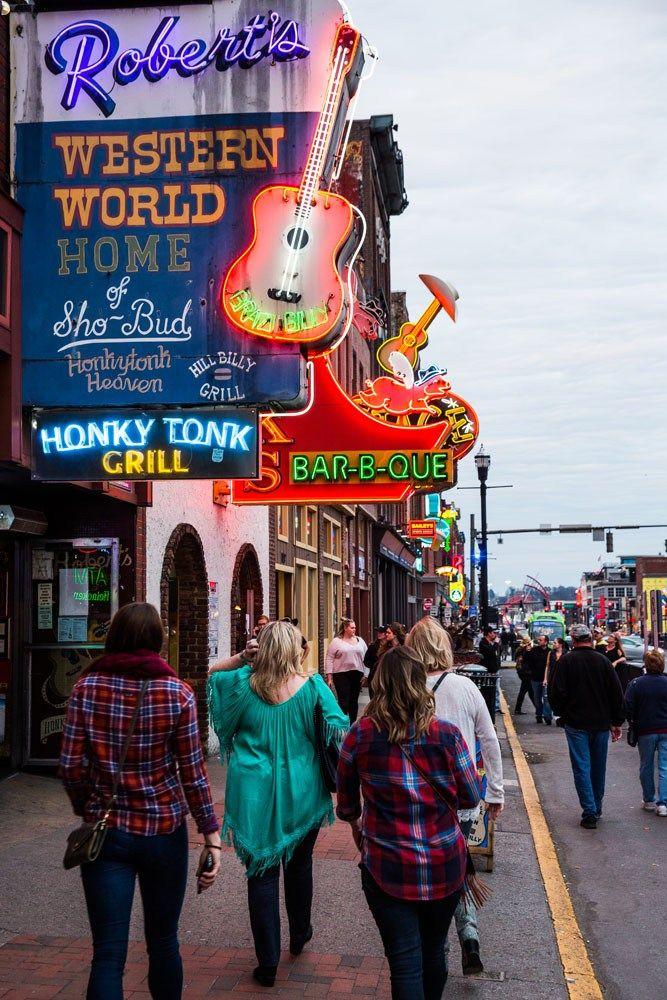 Walking Down Broadway Nashville