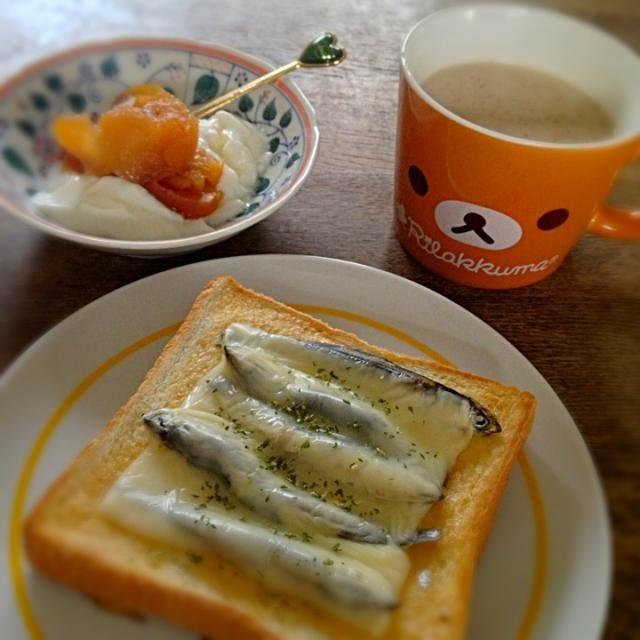 ガッテンのレシピ参考に、うちにあるもので作りました!→ http://www9.nhk.or.jp/gatten/smart/recipes/R20070704_03.html 豆乳オレにはシナモンパウダーかけてます。 シナモンは老化防止効果があるそうで◎ - 29件のもぐもぐ - にぼしチーズのせトースト&りんごキャラメルヨーグルト&豆乳オレ by palico