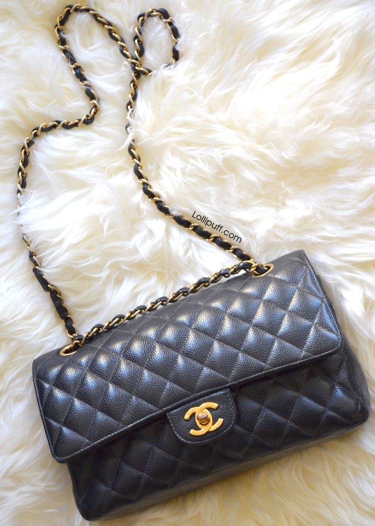 The Chanel medium classic double flap is perhaps the most famous bag in the entire world. The timeless bag looks amazing with jeans, cocktail dresses, and just about everything. So for those of you curious about this bag, here's a post to show what fits in this must-have designer bag.