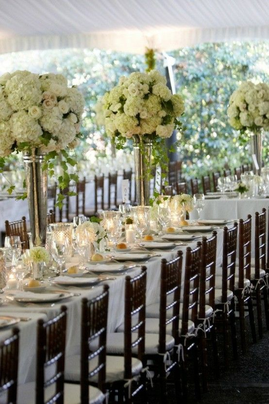 Beautiful Hydrangea Centerpieces Love The Rectangle Tables My Brides Wish List Pinterest
