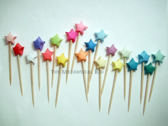 Origami star party picks / cupcake toppers. DIY?