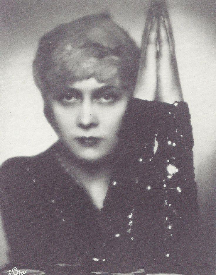 Par Madame d'Ora, 1920