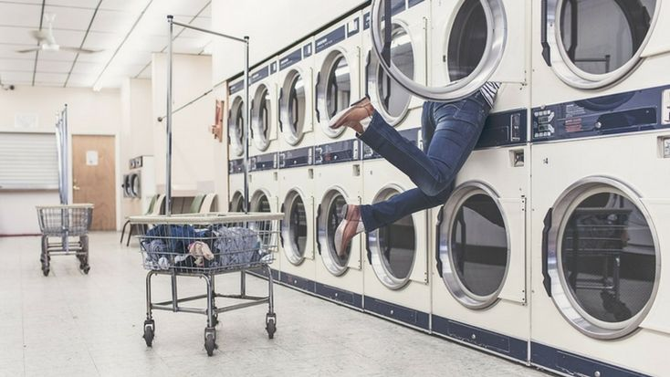 A Complete Guide to Washing Different Fabrics #chores #washing #fabrics #household #guide
