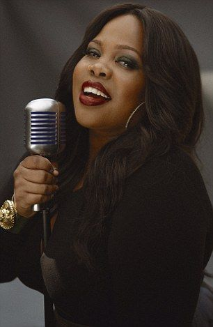 Atriz de 'Glee, Amber Riley fará musical 'Dreamgirls' em Londres