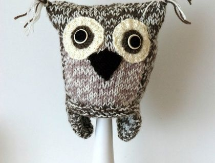 knitted Owl hat 3 - 8 years