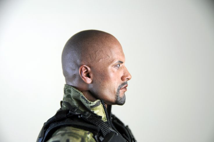 Dwayne Jonson as Roadblock, featuring a highly detailed head sculpt, finely tailored costume and an array of weapons. http://www.sideshowtoy.com/