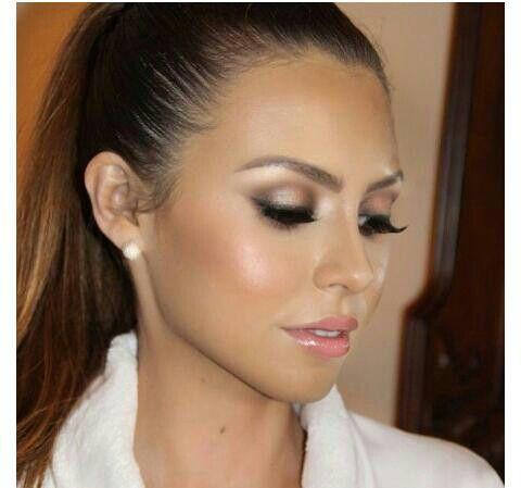 Neutral Wedding Makeup : Maquillaje novia suave neutral cafe dewy Maquillaje de ...