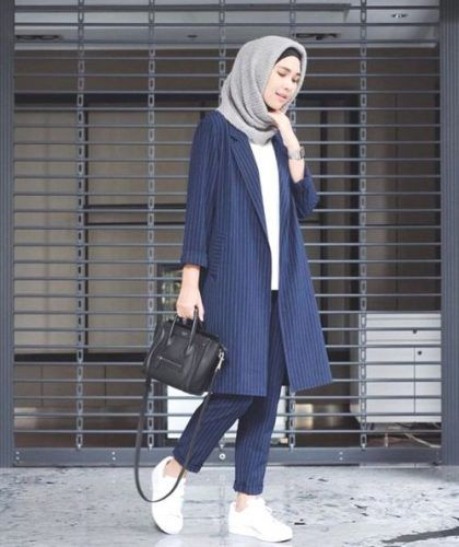 blue coat sporty hijab- Trendy and chic hijab looks http://www.justtrendygirls.com/trendy-and-chic-hijab-looks/