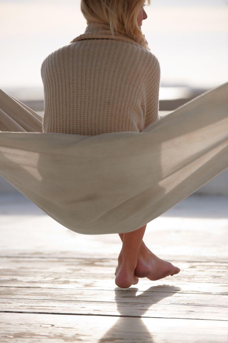 Pour WonderBra, c'est le confort avant tout. Qui dit confort dit W2483. Parfait pour les moments de détente! ////////////////////////////////////////////////// WonderBra wants you to feel comfortable above all things. W2483 is perfect for cosy and casual times!
