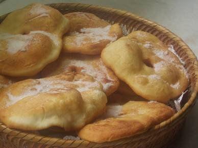 Torta frita. Translation: fried cake.