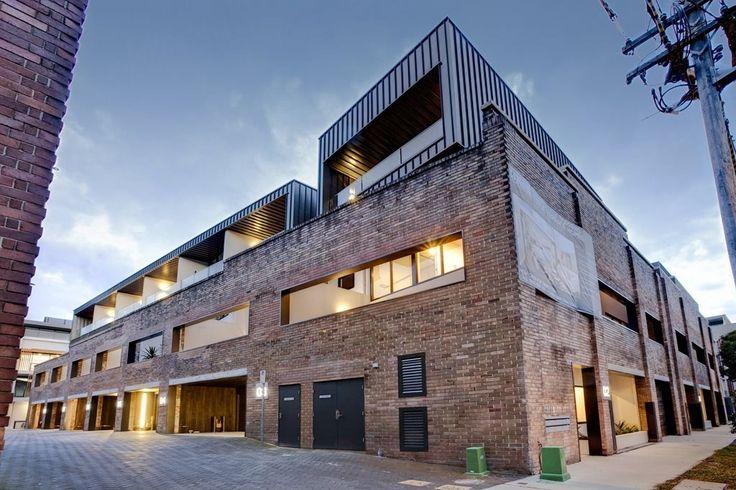 Красавица и чудовище: грузовой квартир жениться кирпичный склад с роскошными оснащение | Архитектура и дизайн