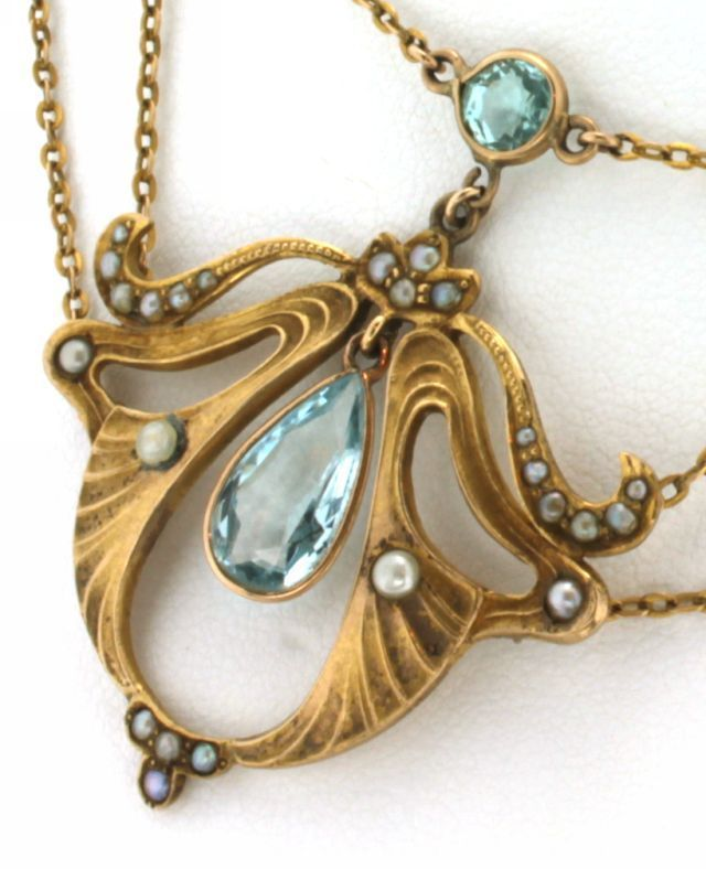 Art Nouveau . Yellow Gold Aquamarine & Seed Pearl Necklace