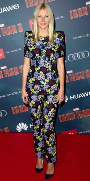 GWYNETH PALTROW    Toma nota del estilo de Gwyneth Paltrow, pues los conjuntos de pantalón y trajes sastres estampados se imponen con fuerza esta temporada. Ella, por ejemplo, lució un conjunto floreado de la colección Otoño 2013 de la firma Erdem en la premier en París de su nueva cinta, Iron Man 3. Y claro, el secreto está en mantener los accesorios al mínimo, como lo hizo la actriz, quien completó su look con unos pumps Jimmy Choo en azul marino.