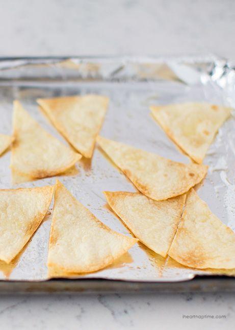 Tortilla chips fatte in casa -3 modi diversi.  Così delizioso e più facile di quanto si pensi di fare!