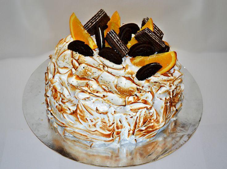Нежнейший, воздушный торт. То, что нужно для нас - девушек, в праздник 8 марта🌷