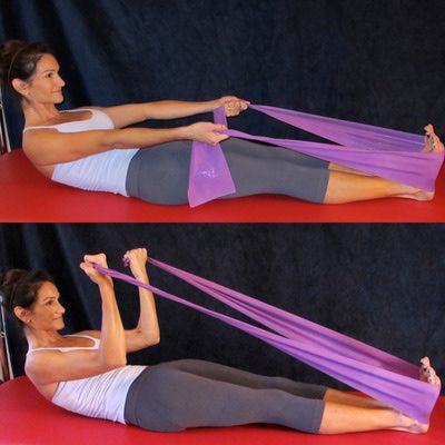 Tone your arms and abs with this biceps curl