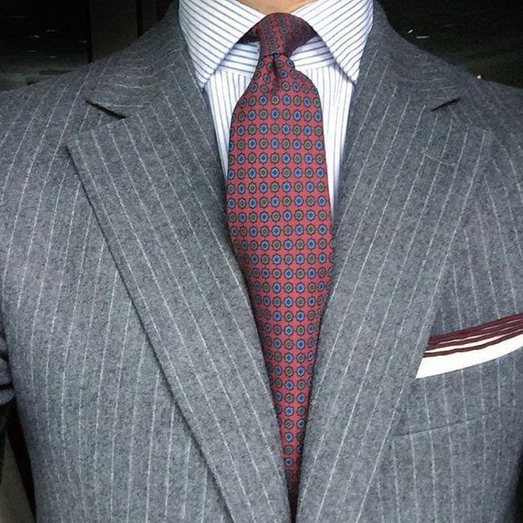 rincondecaballeros#mensstyle#menswear #mensfashion #menslook#style #gentleman #lookoftheday #looks#lookbook #lookup #tie #pocketsquare#suit #rincondecaballeros