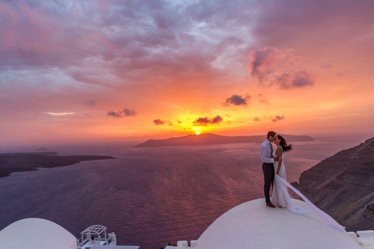 www.dreamonphotog… / Santorini photographer / destination wedding photographe…