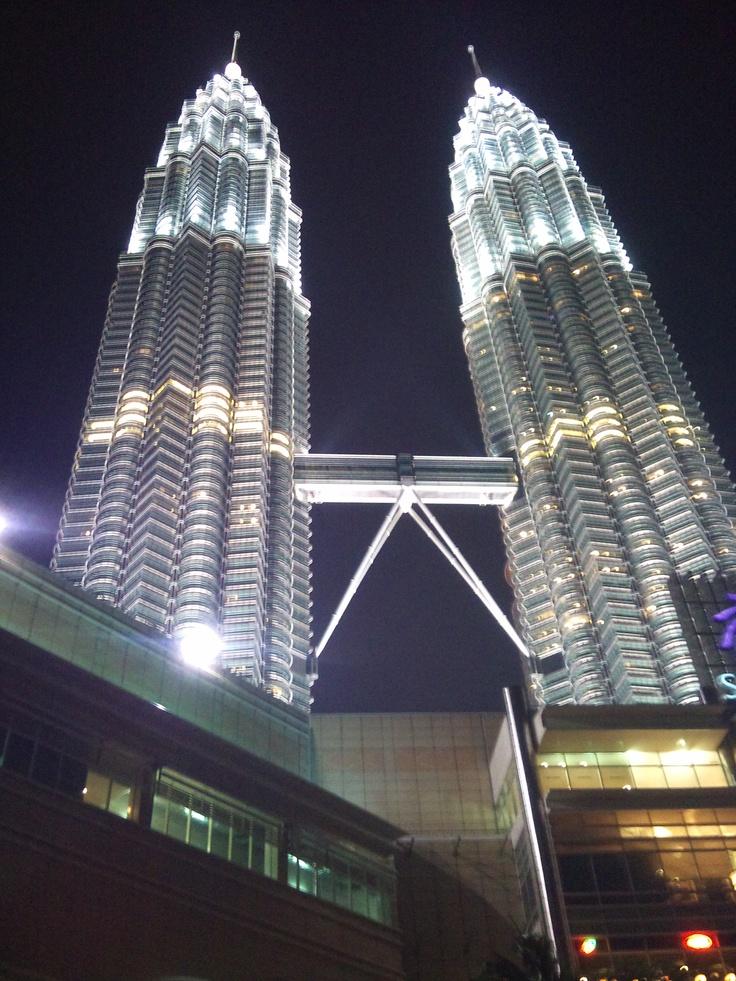 Petrona Towers Malaysia http://kattasfikarum.blogspot.com/
