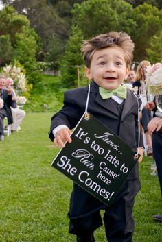 23 Tiny Wedding Guests With Very Big Personalities…