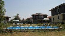 فلل للبيع في تركيا إطلالة رائعة على بحيرة سبانجا مع