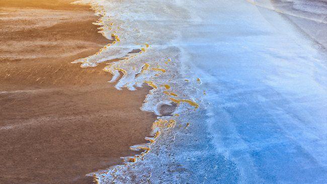 Lake Eyre, aerial view.jpg