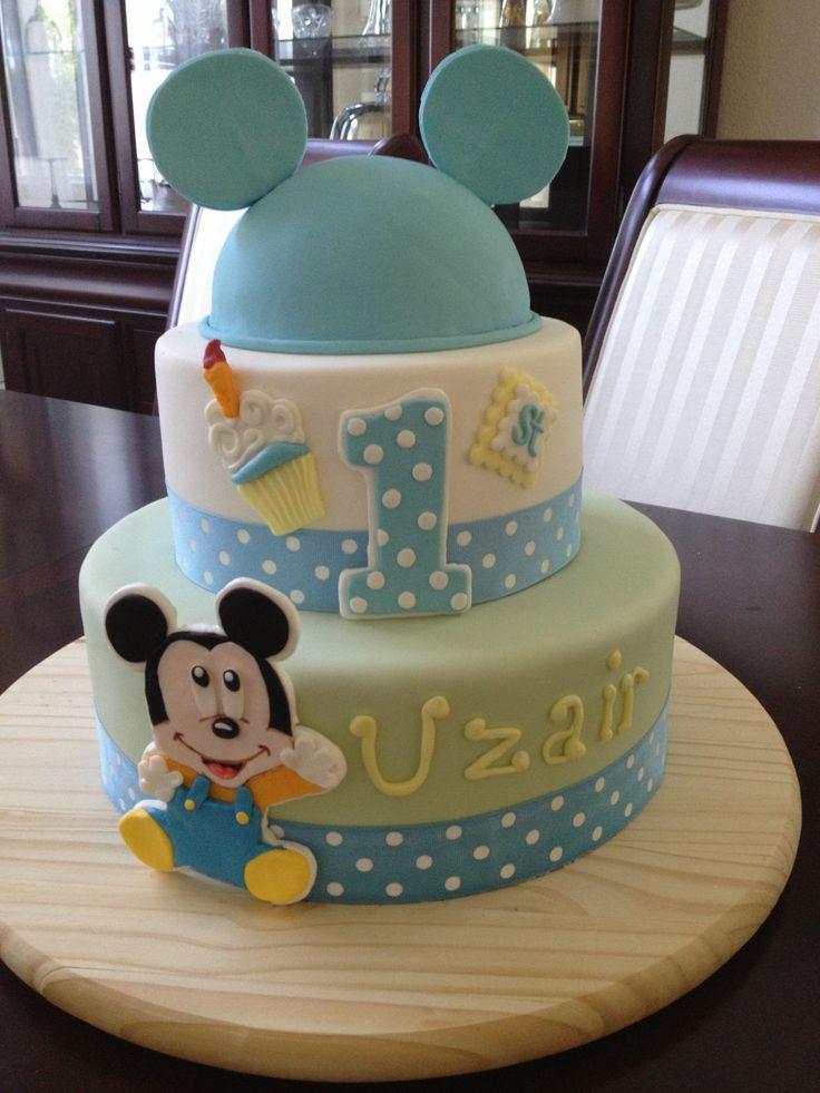 Pastel o torta para el primer cumpleaños del bebé.