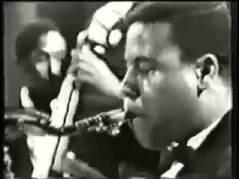 "#TimelessThursday - Miles Davis ""All Blues"" live on the Steve Allen Playhouse, 1964 - feat. Miles Davis (trumpet); Wayne Shorter (tenor sax); Herbie Hancock (piano); Ron Carter (bass); Tony Williams (drums)"