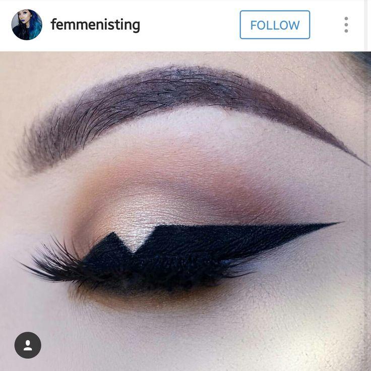 Unique eyeliner look by femmenisting on instagram.