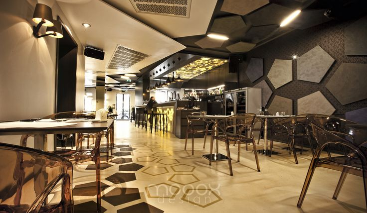 Garibaldi restaurant in Budapest. The motives are not painted on the floor! Custom-technology, permanent three years, decorative flooring.