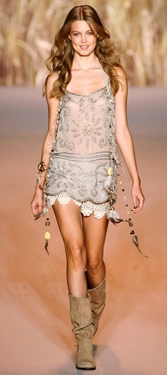 "Anna Sui | The House of Beccaria ❁❁❁Thanks, Pinterest Pinners, for stopping by, viewing, re-pinning, & following my boards. Have a beautiful day! ❁❁❁ and ""Feel free to share on Pinterest""✮✮"" #fashion #gifts www.fashionupdates.net"