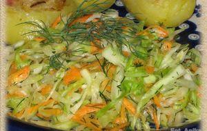 Surówka z młodej kapusty z marchewką