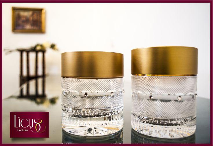 www.Licus.ro Cadou pentru nuntă Set pahare din cristal de Bohemia pentru whisky (El și Ea), placate cu aur 24 K si gravate manual (replică Moser). Preț 380 lei, price 109$ http://www.licus.ro/home/set-pahare-din-cristal-de-bohemia-pentru-whisky-el-i-ea-gold-cristal--68.html