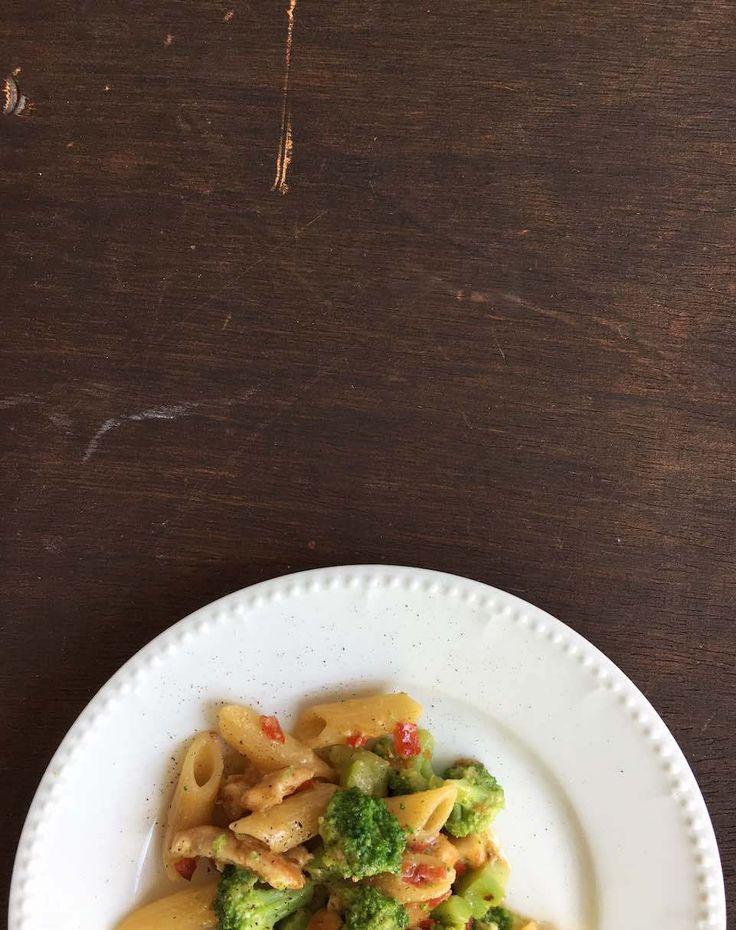 Pastamaniac: Penne mit Zitronenhähnchen, Brokkoli und Ricotta