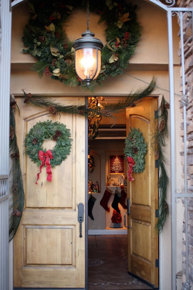 Pretty front door for Christmas