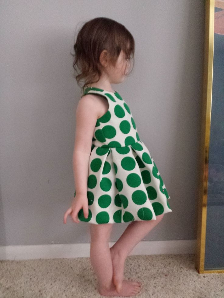That green dotted fabric. Pure <3