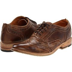 Bedstu Lita - Finally. A women's wingtip oxford that does the style justice. Also available in black.