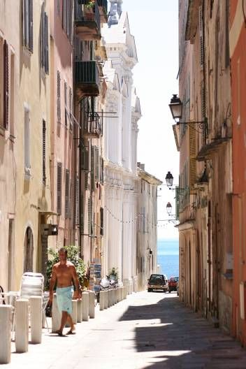 Bastia, baroque town of culture. Bastia, dynamic coastal resort. Bastia, centre for gastronomy and wine. Bastia, the gateway to Corsica, has the key for your holiday on the island.