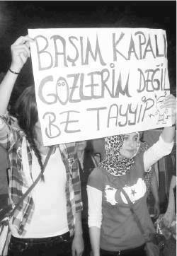 Taksim Gezi Parkı direnişinde günün en çarpıcı pankartı