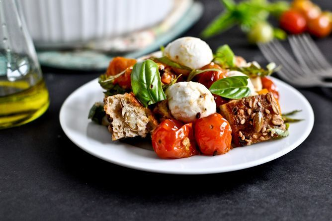 roasted tomato caprese panzanella: Tomatoes Capr, Basil Leaves, Olives Oil, Roasted Tomatoes, Breads Olives, Grape Tomatoes, Healthy Recipes, Capr Panzanella, Balsamic Glaze