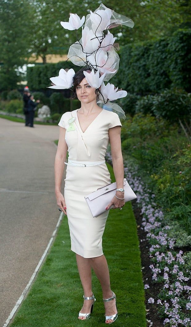 9b96046ad Ranking the 32 best hats at Royal Ascot in 2019   Beautifully Crazy ...