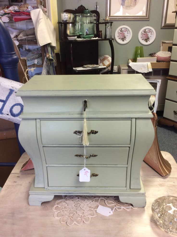 Jewelry box with key Chalk Paint® Decorative Paint by Annie Sloan