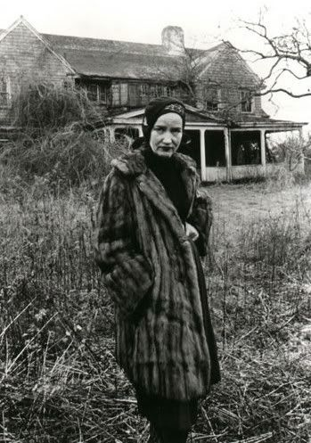 A staunch character indeed. Grey Gardens, one of my favorite films. (pinned from http://www.huffingtonpost.com)